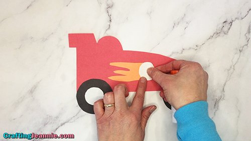adding number circle to paper race car