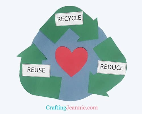 recycle craft preschool, perfect for earth day by Crafting Jeannie